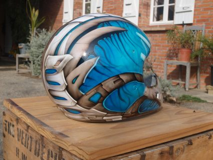 casque-biomecanique-os-alien-custom-aerographie (1)