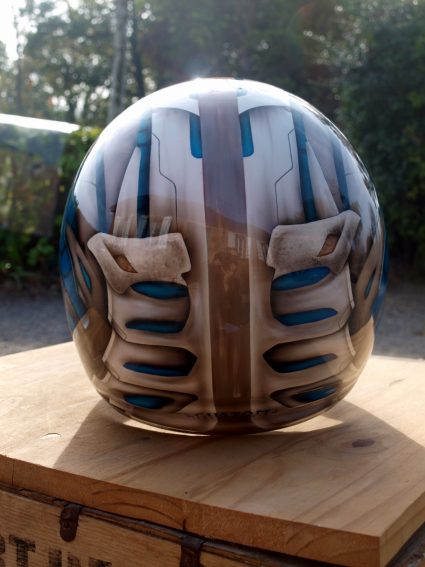 casque-biomecanique-os-alien-custom-aerographie (2)