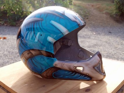 casque-biomecanique-os-alien-custom-aerographie (4)