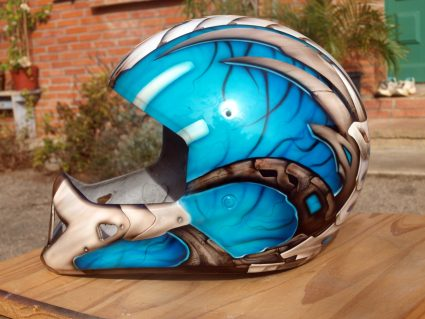 casque-biomecanique-os-alien-custom-aerographie (6)