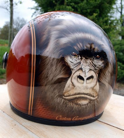 casque-gorille-gorille-orange-paillette-custom-aerographie (5)
