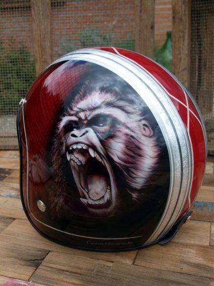 casque-gorille-rouge-custom-aerographie (1)