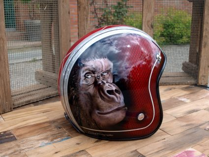 casque-gorille-rouge-custom-aerographie (4)