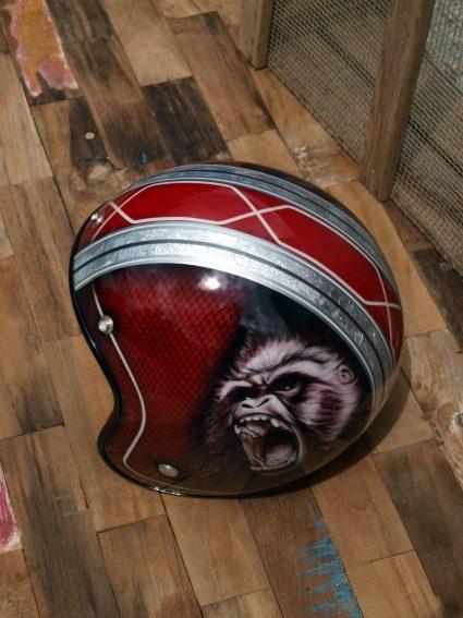 casque-gorille-rouge-custom-aerographie (7)