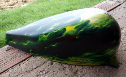 fat-bob-true-fire-vert-flamming-custom-aerographie (3)