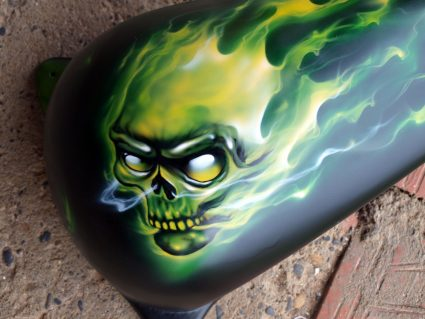 fat-bob-true-fire-vert-flamming-custom-aerographie (6)
