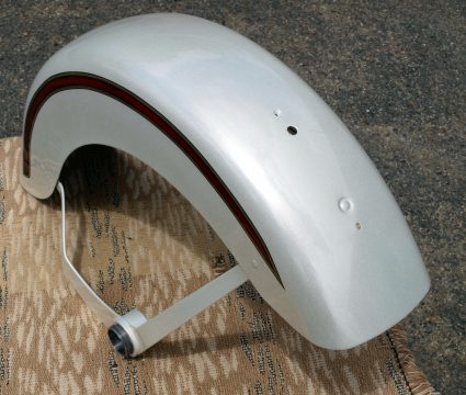 garde-boue-harley-davidson-blanc-creme-nacre-dore-custom-aerographie (10)