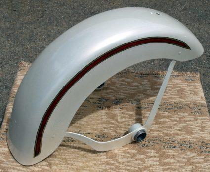 garde-boue-harley-davidson-blanc-creme-nacre-dore-custom-aerographie (9)