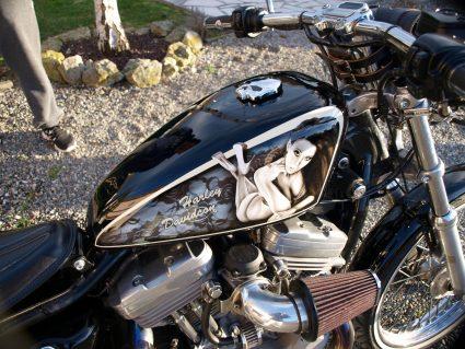 harley-davidson-dentelle-noir-blanc-vintage-pin-up-custom-aerographie (13)