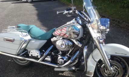 moto-amerique-patriote-pin-up-sexy-drapeau-americain-custom-aerographie (2)