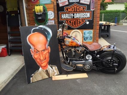 moto-flamming-flammes-dollars-harkey-davidson-custom-aerographie (1)