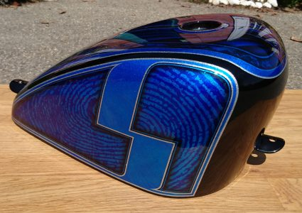 reservoir-flake-bleu-s-old-dream-custom-aerographie (2)