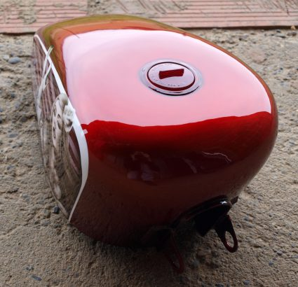 sportster-peanut-pin-up-red-bud-metal-brut-rouge-custom-aerographie (7)