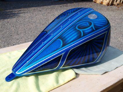 triumph-bleu-flake-lowrider-custom-aerographie (10)