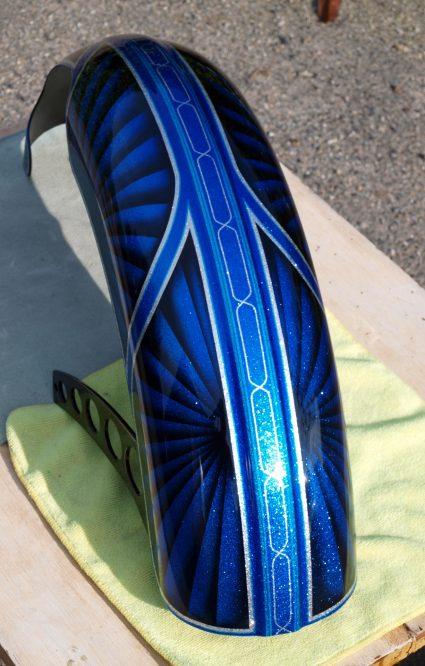 triumph-bleu-flake-lowrider-custom-aerographie (12)