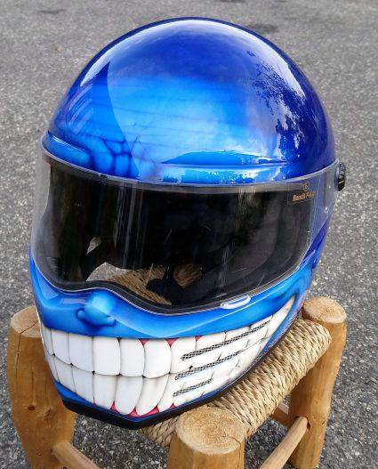 casque-bleu-bandit-custom-aérographie (2)