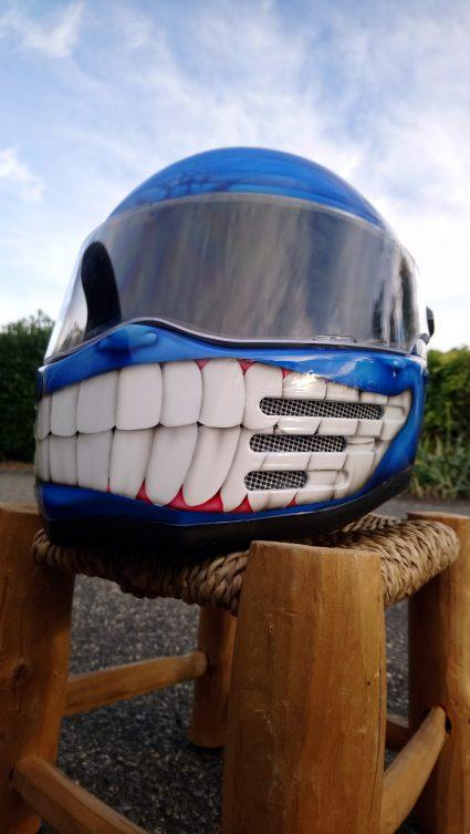 casque-bleu-bandit-custom-aérographie (3)
