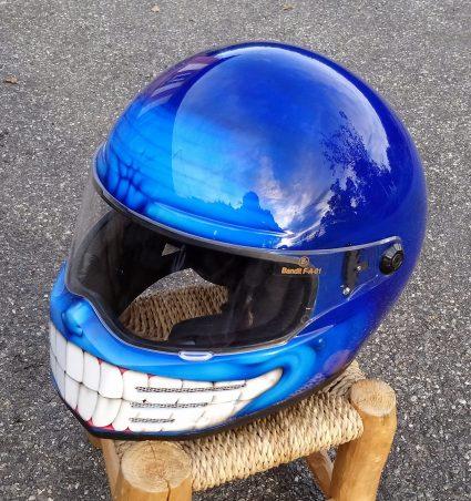 casque-bleu-bandit-custom-aérographie (4)