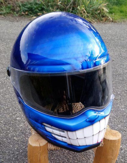 casque-bleu-bandit-custom-aérographie